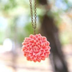 Large Pink-Melon Chrysanthemum Vintage Style Necklace - Melon